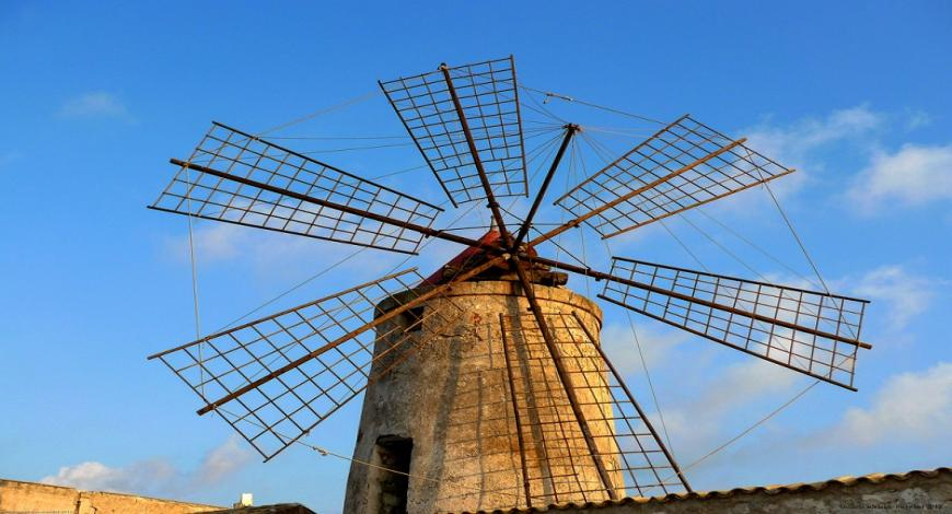 Malta: restauro del mulino a vento a Xewkija