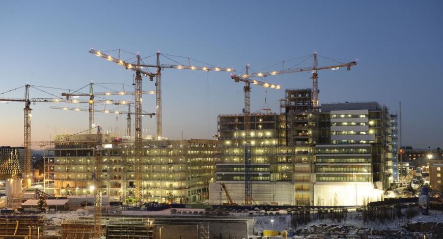 Emirati Arabi: lavori presso la stazione della città di Jebel Ali