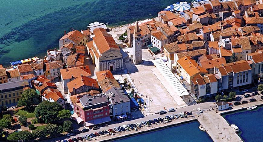 Croazia: ricerca di imprese per servizi di falegnameria e sostituzione opere in marmo